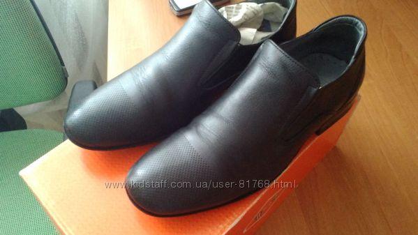 Кожанные туфли мальчику 33 размера Турция