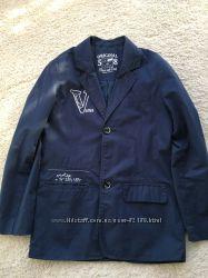 Стильный модный легкий пиджак