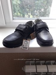 Продам туфли на мальчика NEXT