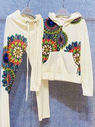 Фирменный нарядный велюровый костюм, 120-160. Скидка