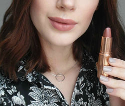 Charlotte Tilbury Matte Revolution Lipstick - матова помада. Оригінал
