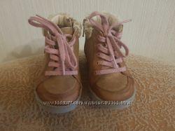 Демисезонные ботинки Clarks 23размер 15см стелька