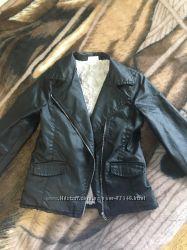 Демисезонная модная курточка-косуха, 7-8 лет