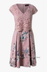 Фирменное нарядное платье C&A