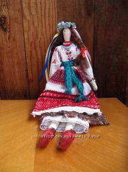 Интерьерная куколка в национальном костюме