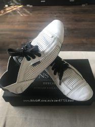 Продам белые туфли кожаные летние CONSTANTA размер 37