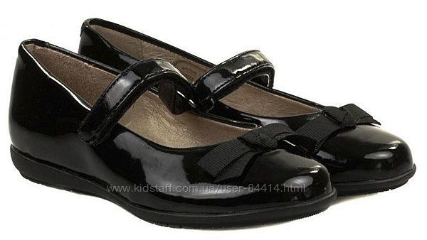 Лаковые туфельки для девочки Garvalin