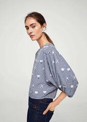 Блузка Mango с вышивкой и пышными рукавами. Оригинал