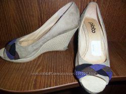 красивые туфли с открытым носком, танкетка 8 см