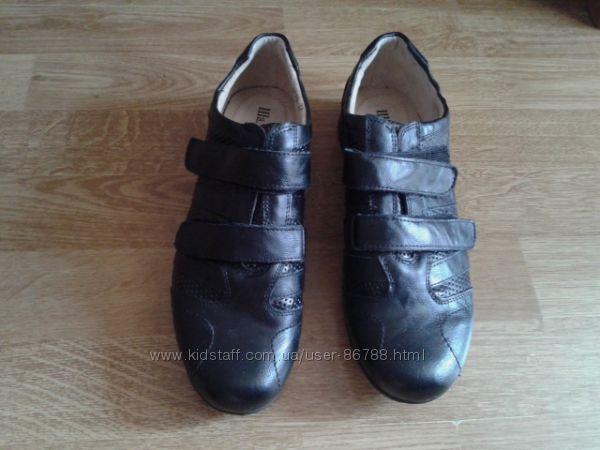 Кожаные новые в коробке туфли для мальчика р. 37