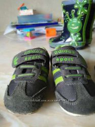 Продам кроссовки Адидас
