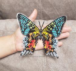 Вышитая бабочка чешским бисером