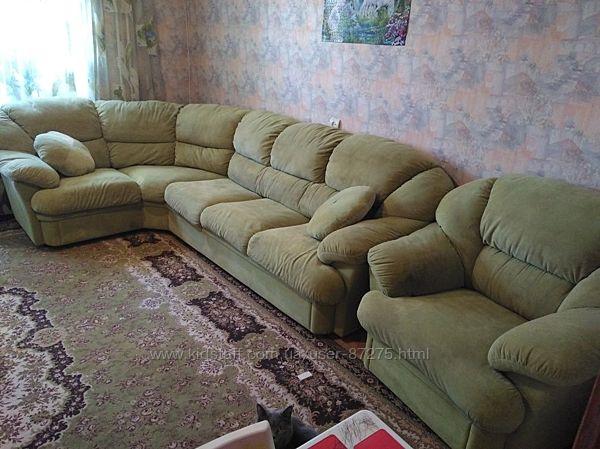 Продам мягкий уголок и кресло