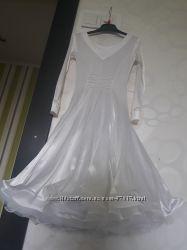 Шикарное белоснежное рейтинговое платье