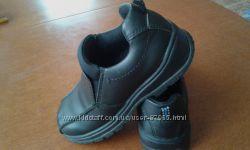 Продам кожанные туфельки Marks&spenser 19см. по стельке