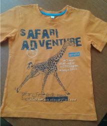 Продам яркую футболку C&A на 5-6 лет и бандана Chicco в цвет