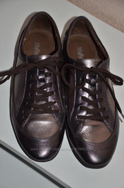 Красивые кроссовки натуралка